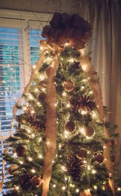 12' Burlap Tree Topper with 4 Streamers
