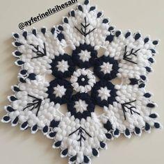 Front Mehndi Design, Mehndi Designs, Woolen Craft, Laddu Gopal, Crochet Fashion, Lily, Hair Accessories, Crafts, Tutorial Crochet