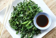 Midweek Quick Cooking: Easy Sautéed Greens with Fish Sauce Dinner Side Dishes, Healthy Side Dishes, Sauteed Greens, Healthy Vegetables, Veggies, Ketogenic Diet For Beginners, Anti Inflammatory Recipes, Primal Recipes, Greens Recipe