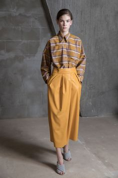 See the complete Vika Gazinskaya Fall 2017 Ready-to-Wear collection.    *(Just the SKIRT...)