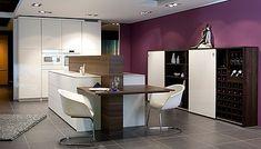 Küchenausstellung von Elbau – Inforama Showroom Conference Room, Table, Showroom, Designer, Furniture, Home Decor, Custom Kitchens, Kitchen Inspiration, Kitchen Contemporary