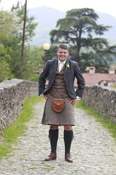 21st CENTURY KILTS - providing the best in ready to wear and bespoke tailored kilts by Howie Nicholsby