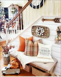 farmers market pillow cover, Joanna Gaines style, farmhouse style, modern farmhouse decor, fixer upper decor This darling farmers market pillow cover would certainly add farmhouse charm to any room in your home. Estilo Joanna Gaines, Joanna Gaines Style, Joanna Gaines Farmhouse, Joanna Gaines Design, Fall Home Decor, Autumn Home, Fall Entryway Decor, Fall Bedroom Decor, Front Porch Fall Decor