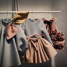 Pitti Bimbo 90 kids fashion trends for winter 2020 - Smudgetikka Little Girl Outfits, Little Girl Fashion, Little Girl Dresses, Kids Fashion, Kids Outfits, Girls Dresses, Old Dresses, Girl Dress Patterns, Stylish Kids