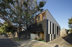 Completed in 2017 in Melbourne, Australia. Images by Dianna Snape. Rhythm House is a renovation and extension to an existing Heritage 1920's bungalow in West Brunswick. The owners approached me with a unique brief. A...