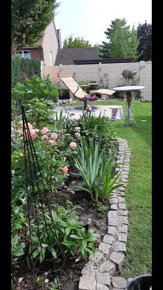 Sonnenliege SunDivan Moderne Pools, Backyard Gazebo, Garden Chairs, Plants, Gardens, Outdoor Seating, Home And Garden, Recycled Furniture, Woodworking Bench