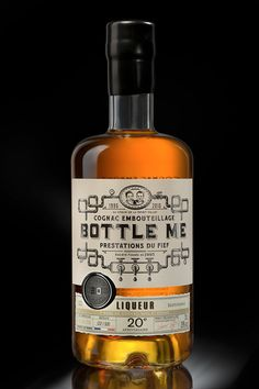 Liqueur Bottle Me (Prestation du fief & Cognac Embouteillage) designed by Wine And Liquor, Liquor Bottles, Wine And Beer, Beverage Packaging, Bottle Packaging, Bottle Labels, Whisky Bar, Liqueur, Scotch Whiskey