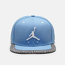 Jordan Hats and Caps  Snapback and Fitted. Nike Store IE. d7cd7eed9824
