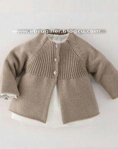 Raglan baby jacket with vertical yoke