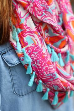 Lilly Pulitzer Riley Tassel Infinity Loop Scarf in Feeling Tanked worn by @crileypinterest