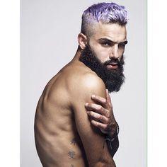 This god of great hair color. | 27 Men's Undercuts That Will Awaken You Sexually www.whatstrending.co.za