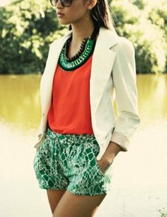 Perfect Combination: coral top, white blazer and printed shorts http://www.studentrate.com/fashion/fashion.aspx