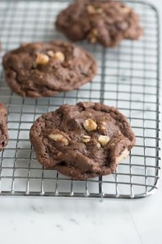 These rich and chocolaty walnut cookies are really simple to make. If you either don't have walnuts in the kitchen or if you want to use a different nut, pecans, peanuts or hazelnuts would be great in these. From inspiredtaste.net | @inspiredtaste