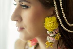 There's a New Flower Jewellery Style In Town And It's Gorgeous!   WedMeGood