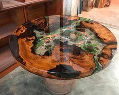 Resultado de imagen para wood and resin table