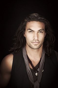 Jason Momoa as Wrath in the Black Dagger Brotherhood ~sighs~ Look At You, How To Look Better, Gorgeous Men, Beautiful People, Jason Momoa Aquaman, Black Dagger Brotherhood, Native American Men, My Sun And Stars, Hommes Sexy
