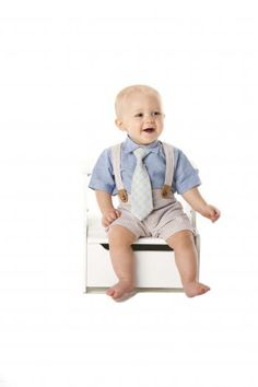 Mud Pie set includes oxford shirt with clip-on tie and seersucker shorts with matching suspenders. Baby Boy Outfits, Kids Outfits, Mud Pie Clothing, Bow Tie Suit, Mud Pie Baby, Seersucker Shorts, Short Suit, Boys Suits, Easter Outfit