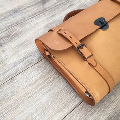 Scott, the #writer #bag. #mensbag #leather #natural