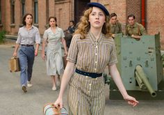 Feb 2020 - Your BIG list of all the historical, costume and period dramas coming to - and leaving - Netflix US in Winter 2019 - December, January, February. Netflix Shows To Watch, Netflix Dramas, Good Movies On Netflix, Good Movies To Watch, Netflix Movies, Period Piece Movies, Period Drama Movies, Period Dramas, Best Movies List