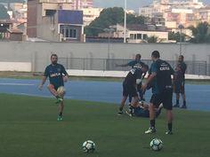 BotafogoDePrimeira: De chuteiras, Montillo e Emerson Silva fazem traba...
