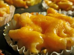 Individual Mac&Chz in Cupcake Liners! LOVE this idea. Use paper liners to reheat in microwave, or silicone cupcake pans to freeze in small serving sizes.