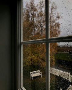 🎃Photos are not mine unless stated🎃 👻Cozy Vibes👻 🍂Autumn is back🍂 Rainy Mood, Rainy Days, Rainy Window, Love Rain, Autumn Cozy, Autumn Rain, Late Autumn, Autumn Aesthetic, Window View
