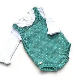 Free Knitting Pattern for Topitos Baby Romper - 3-6 months. Available in English and Spanish. Designed by Marta Porcel