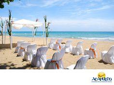 #haztubodaenacapulco Cásate en un hotel de Acapulco. CÁSATE EN ACAPULCO. Acapulco tiene un sinnúmero de hoteles, donde puedes realizar tu boda.  Todos te ofrecen los servicios necesarios con gran calidad y muchos de ellos cuentan además con playas privadas de ensueño y el ambiente paradisiaco que distingue a nuestro Puerto. Te invitamos a casarte en alguno de los hoteles de la hermosa Perla de México. www.fidetur.guerrero.gob.mx