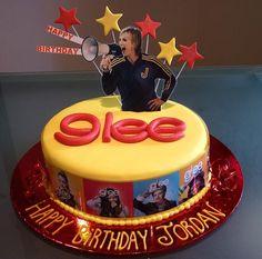 Love this glee birthday cake...