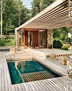 A modern poolhouse by SPaN architects melds seamlessly into a wooded New England Estate Architectural Digest, Pergola Curtains, Mosquito Curtains, Roof Structure, High Pictures, Wooden Pergola, Outdoor Living, Outdoor Decor, Modern Exterior
