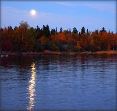 Autumn Moonriver - Raahe, Finland Moon Pics, Moon Pictures, Sun Moon Stars, Moon River, Tornadoes, Beautiful Moon, Secret Places, Over The Moon, Nature Scenes
