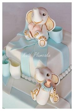 Christening cake with baby elephants - Cake by Kate Plumcake