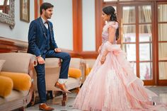 We have a team of professional photographers in Lucknow who will make your special day memorable. Discover the best places for photography with Absolute Wedding Studio to make your day more romantic