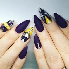 Stiletto nails @KortenStEiN Pretty Nail Colors, Pretty Nail Designs, Pretty Nails, Nail Art Designs, Lace Nails, Bling Nails, Stiletto Nails, Coffin Nails, Look At My