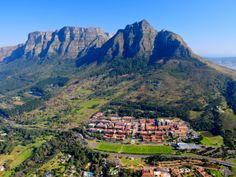 Domesticflights-southafrica.co.za scour the web to help find the best deals on domestic and international flight departing from South Africa.