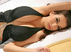 Jana Defi - black dress - recumbent