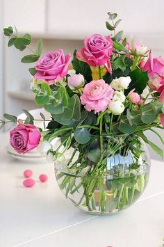 New flowers birthday bouquet beautiful pink roses ideas Rosen Arrangements, Floral Arrangements, Birthday Flower Arrangements, Deco Floral, Arte Floral, Beautiful Flower Arrangements, Pretty Flowers, Green Flowers, Cut Flowers