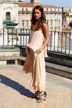 Alicia dressed in peach Stella McCartney ruffle dress for The Man from U.N.C.L.E. photocall in Rome.