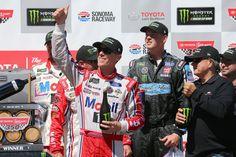 NASCAR Sonoma resumen: Kevin Harvick vitrinas de forma habitual, vuelve a la línea de la Victoria