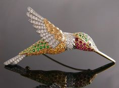 hummingbird brooch, like a Kirks Folly necklace I have :-)
