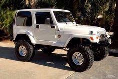I think I've outgrown wanting a daisy duke jeep, but I'd still take this one:) Jeep Wranger, Jeep Cars, Jeep Truck, White Jeep Wrangler, Jeep Wrangler Sport, Jeep Sahara, Jeep Gladiator, Jeep Life, Dream Cars