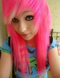 Ambrehh; hot pink scene hair