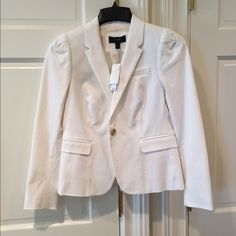 J. Crew Jacket-NWT J. Crew Jacket-NWT Adorable Off White  Blazer with Puffed Sleeve Size 4 58% Cotton 38% Viscose 4% Spandex Fully Lined Inside Pocket J. Crew Jackets & Coats