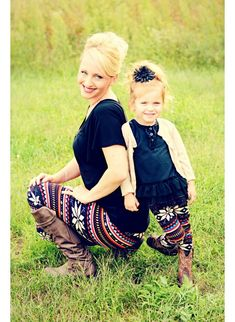 This is a example of jagged line and i love this mommy and daughter picture.