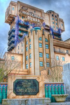 """The Hollywood Tower of Terror Hotel ride at Disneyland. It opened in 2004 and closed in January Ride is being made into """"Guardians Of The Galaxy"""". Disneyland California Adventure, Disneyland Resort, Attractions Disneyland, Disney Dream, Disney Magic, Punk Disney, Disney Rides, Disney Land, Disney Movies"""