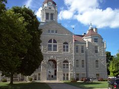 Close Up of Mount Vernon Court House...Mount Vernon is in Lawerence County.