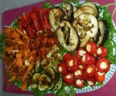 Anti Pasti - Antipasti - Varoma vegetables from A Thermomix ® recipe from the Appetizers / Beef Appetizers, Appetizer Salads, Appetizer Recipes, Grilled Vegetable Salads, Grilled Vegetables, Vegan Party Food, Turkey Soup, Easy Salad Recipes, Evening Meals