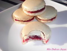 Mis Dulces Joyas: Macarons de vainilla, rellenos de confitura de frambuesa y unos consejos para conseguir unos macarons casi perfectos