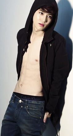 Suho. Stahp. Cant. Function properly. With your abs. In the way.
