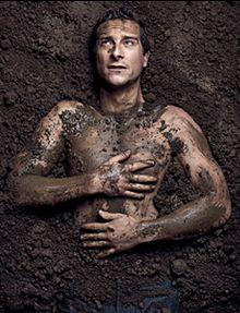 Bear Grylls : l'homme fait de boue XD